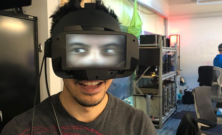 FRL:即使帶著VR 頭盔,現在也能與外界進行眼神交流了